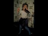 Даша пытается петь песню Сергея Лазарева ЭТО ВСЁ ОНА!))