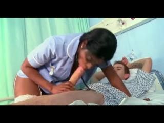 Трахает чёрную медсестру огромным белым членом black ebony nurse fuck bubbl ass big white cock (Инцест со зрелыми мамочками 18+)