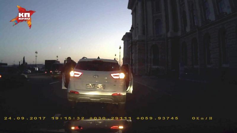 Вспыльчивый питерский «гонщик» отомстил водителю за сделанное замечание