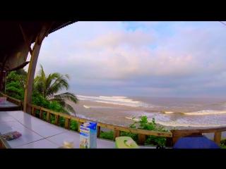 Бали. Сёрферский пляж Балиан со здоровенными волнами по 10м