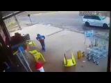 Assalto em Caldas Novas O dono no mercado deu aos pobres assaltantes um tratamento VIP