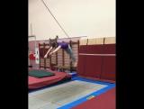 У нас в гостях Сергей Мазуркевич (https://www.instagram.com/mazurkevich_s/) - тренер по прыжкам в воду
