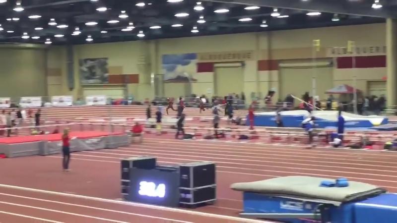 Мировой рекорд для залов в беге на 600 м от Майкл Саруни - 1_14.79