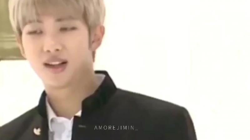 Seokjin: [tells a joke] rest of the members vs jimin: