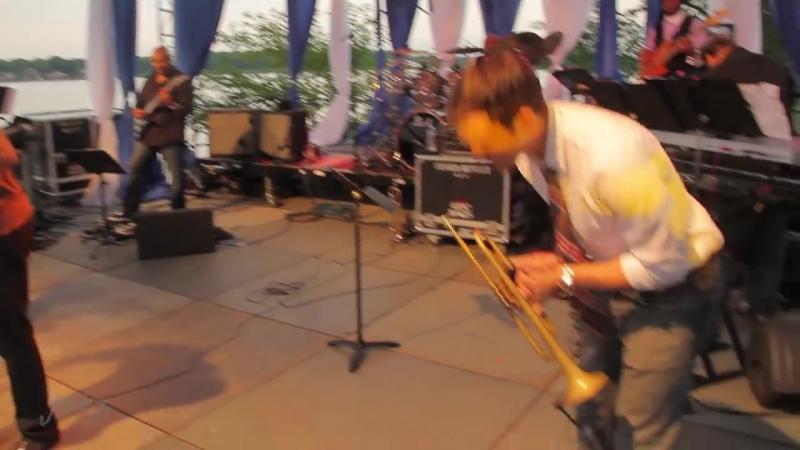 Grazing in the Grass, Use Me (Rick Braun Everette Harp)