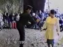Дискотека 90-х Парень классно танцует.mp4