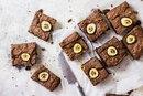 Брауни с бананом, арахисовой пастой и шоколадом