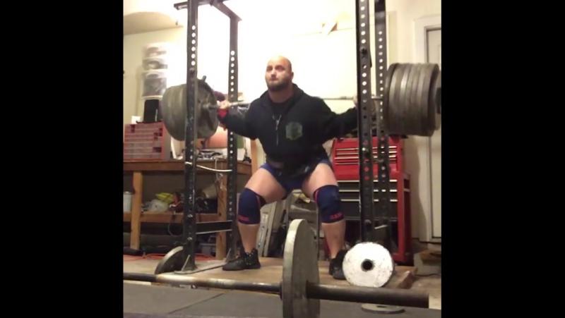Деннис Корнелиус, приседания 381,5 кг