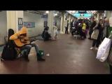 Потрясающее выступление уличного музыканта
