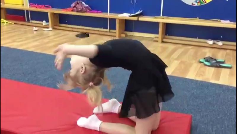 Художественная гимнастика, Детский сад 59 (Ельцовская), младшая группа. Тренер: Кручинина Ольга