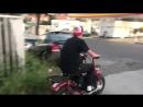 Supreme x Coleman Mini Bike на ходу.
