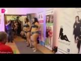 Plus size models - Fashion show , plus size models bikini show_Moda plus size