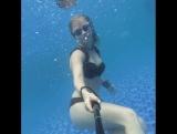 Милейшая Соня в купальнике от