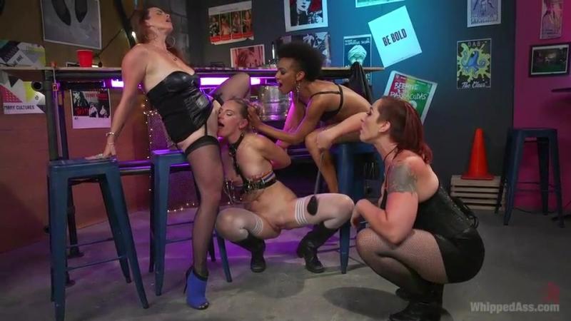Mona Wales, Bella Rossi, Nikki Darling, Mistress Kara