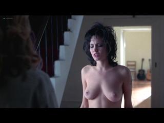 Анджелина Джоли (Angelina Jolie) и Элизабет Митчелл (Elizabeth Mitchell) голые в фильме Джиа (1998)