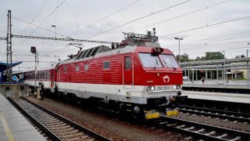 Náhradná súprava ZSSK na vlaku EC 282 SLOVENSKÁ STRELA v stanici Břeclav