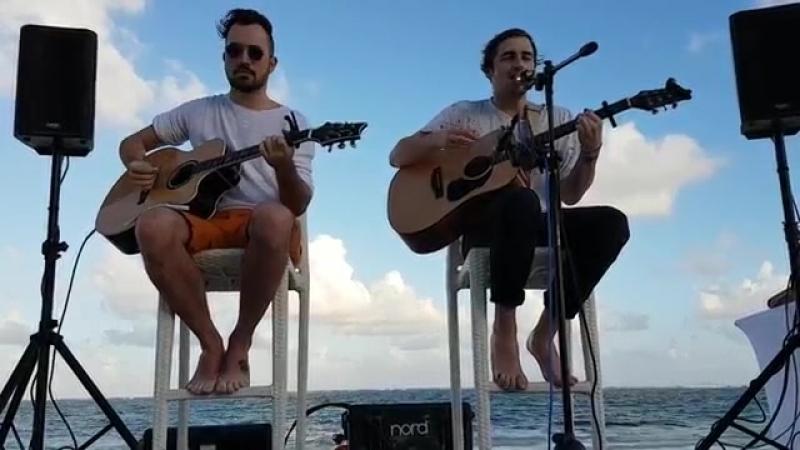 17 января 2017; Heffron Drive исполнили песню Parallel в Канкуне, Мексика