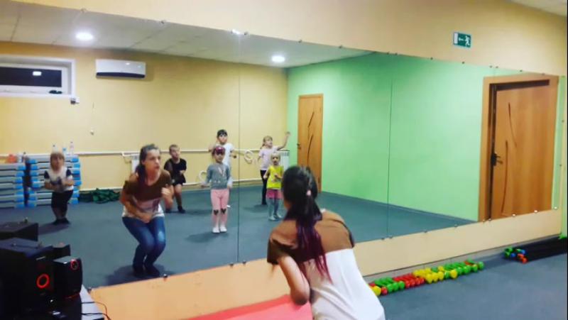 Детские танцы АМАЗОНКА фитнес зал