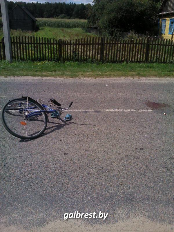 Под колесами прицепа пострадала женщина-велосипедист