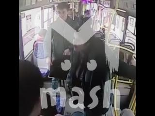 В Нижнем Новгороде кондукторша выгнала из автобуса казахов из-за их национальности
