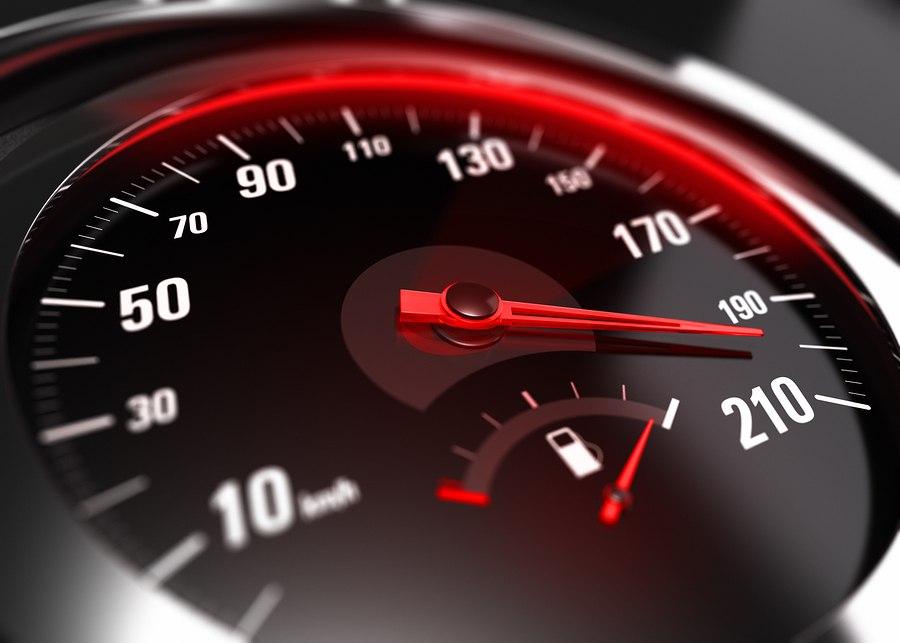 """В Бресте """"лихач"""" превысил скорость движения на 103 км/ч."""