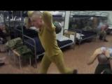 Как накачать ноги имея лишь гирю? Вам помогут 2 упражнения #армия #солдаты