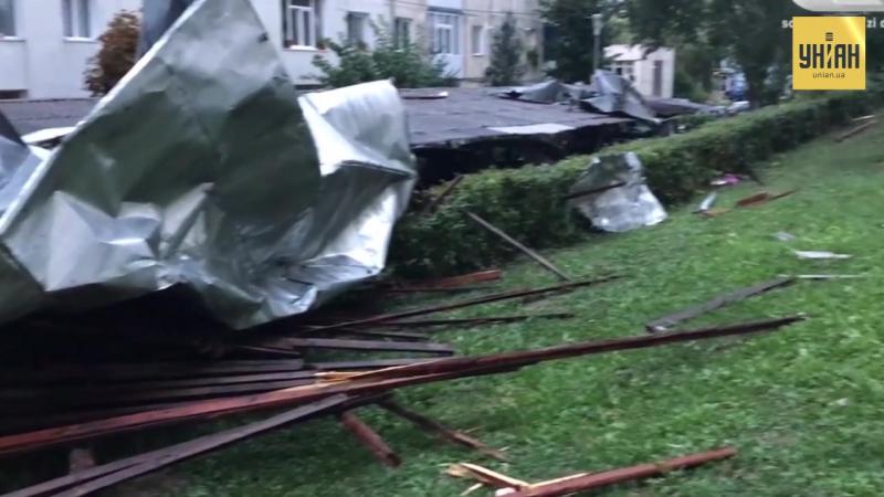 Ураган прокотився Румінією і зачепив західні області України