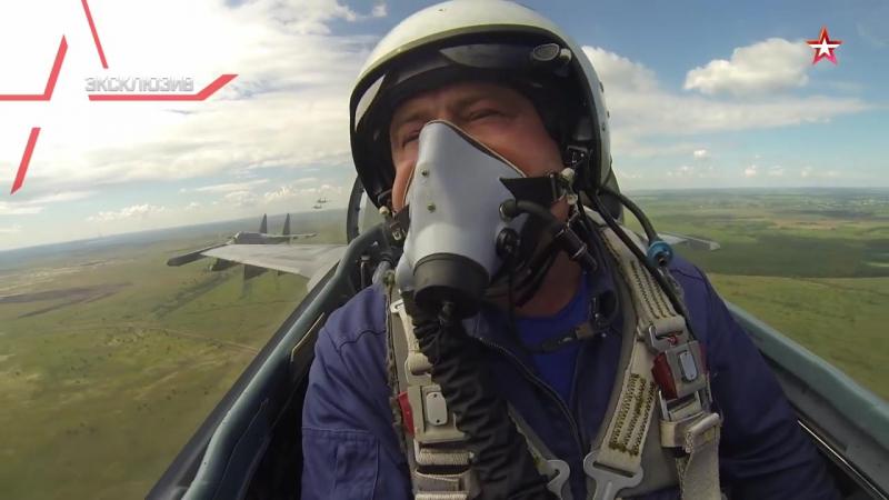 Су-35С_групповой пилотаж