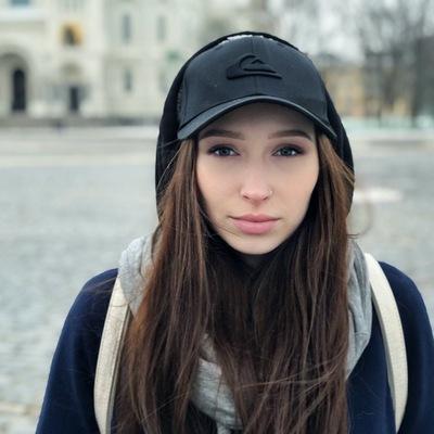 Алена Ларк