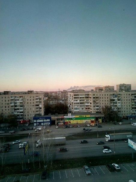 У нас в Волгограде на улице Ползунова горел склад лакокрасочных матери
