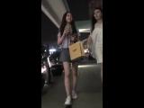 แอบถ่ายใต้กระโปรง+สาวจีนหน้าหวาน+ดันใส่กางเกงขาบานมาเลยโดนเเอบถ่าย