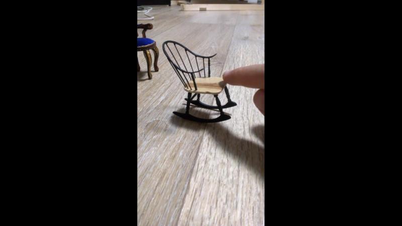 кресло-качалка в миниатюре