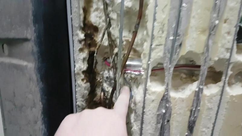 Холодильник лЫжА. Не работает лампочка.