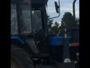 Сын на тракторе