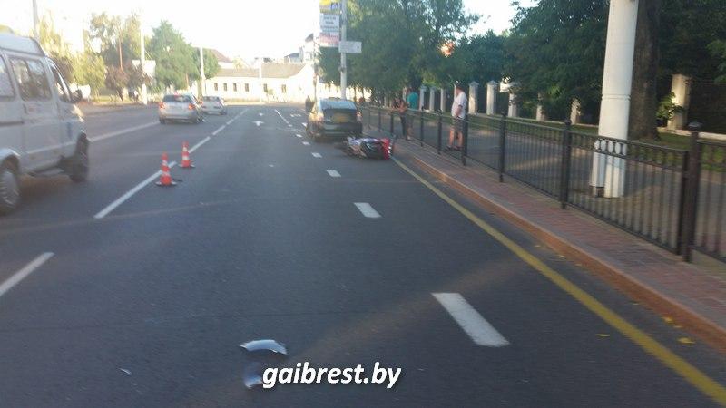 В Бресте в результате аварии пострадал неопытный мотоциклист