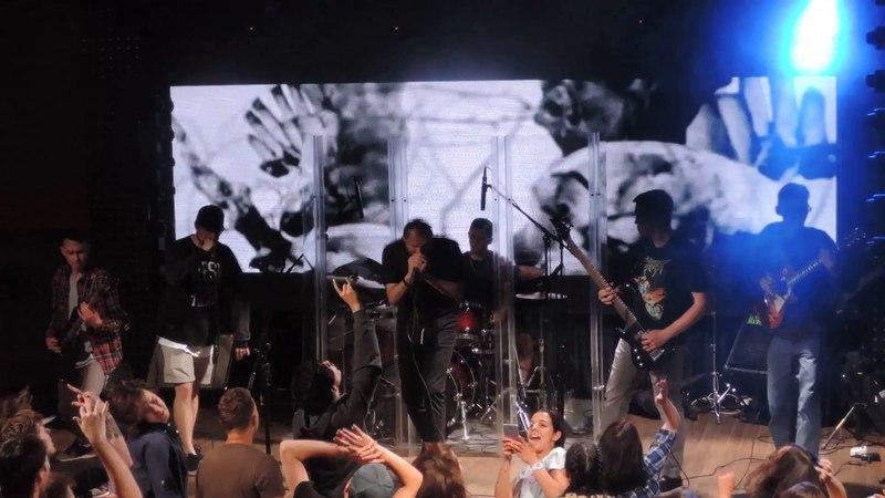 Угол Дрейфа — Покрасьте в чёрный