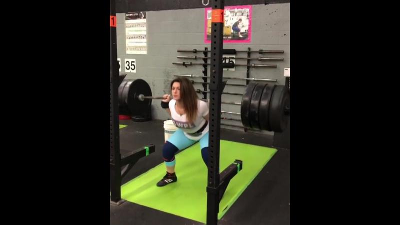 Даниелла Мело - присед 185 кг