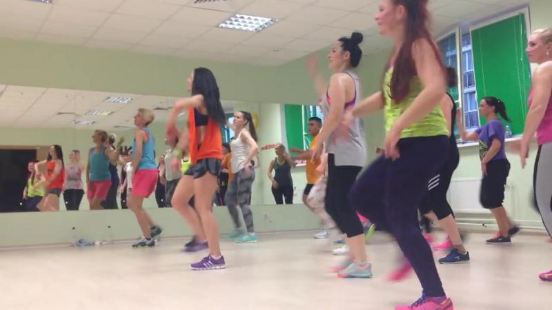 Zumba® Fitness LA BICICLETA Carlos Vives Shakira, Official Choreografia - копия