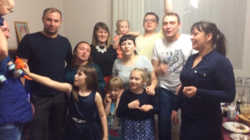 Видео Отзыв о выездном празднике для взрослых и их детей от праздничного агентства Золотая Рыбка