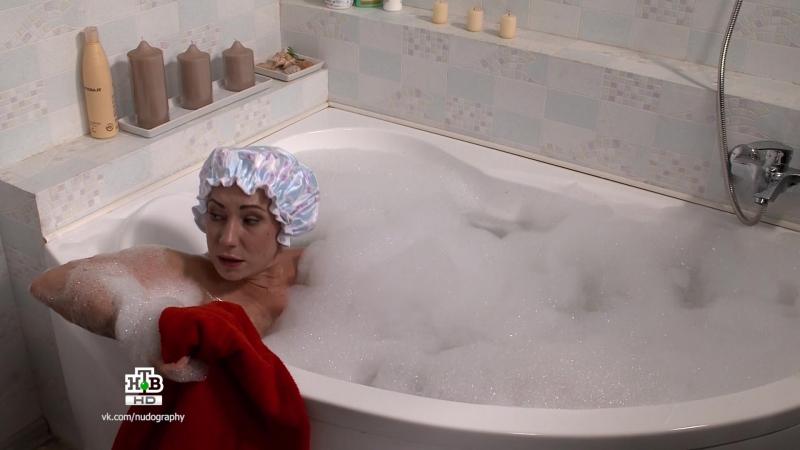 Обнажённая Ольга Тумайкина в сериале Соседи (2012) - 14 серия (1080i)