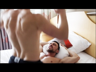 [wickydkewl] gay porn vs. real life
