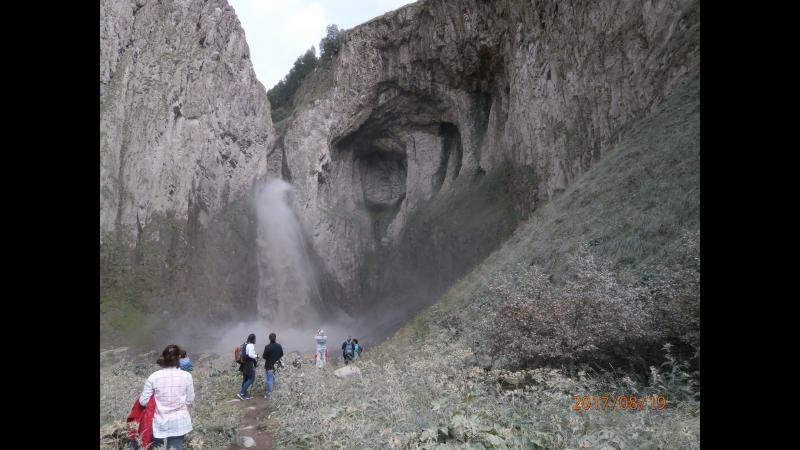 Водопад на реке Малка, в Джылы-Су.
