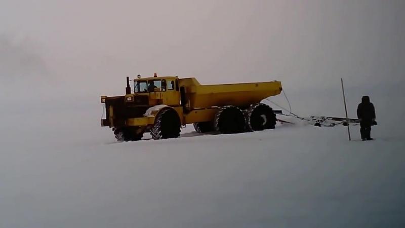 Трактор Кировец К-701 с тремя мостами 6х6