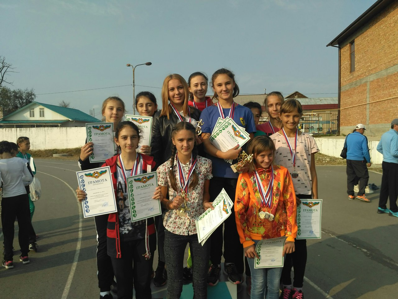 Более 100 лучших легкоатлетов КЧР соревновались в Зеленчукском районе