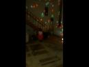 Папа играет с дочкой(про Новый год)