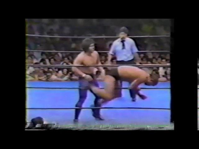 Super Tiger (Satoru Sayama) vs Yoshiaki Fujiwara (UWF June 24th, 1985)