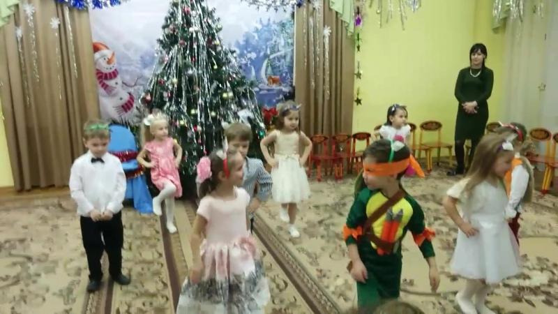 Влада на новогоднем празднике в детском саду