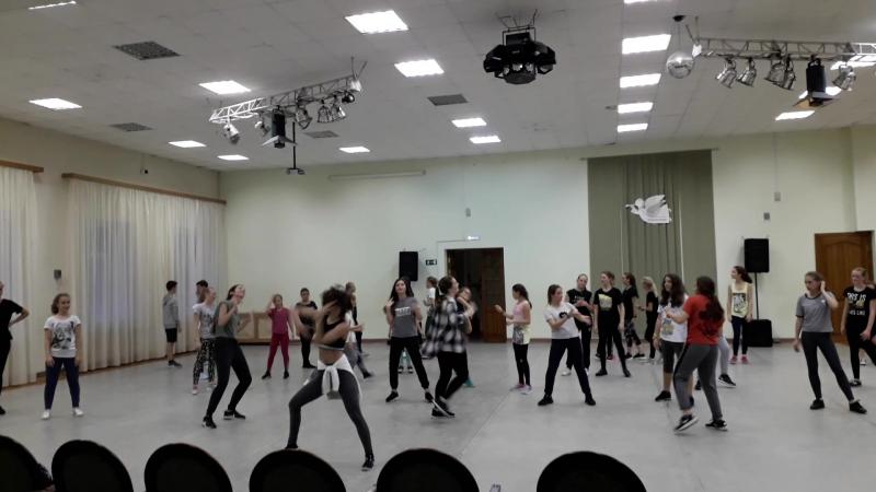 Шаффл с Ксенией Сухановой под музыку!