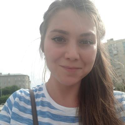 Аня Реусова