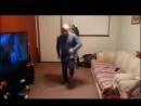 Задорные танцы пожилых мужчин